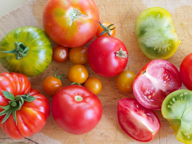 Ten tomatoes eating ways