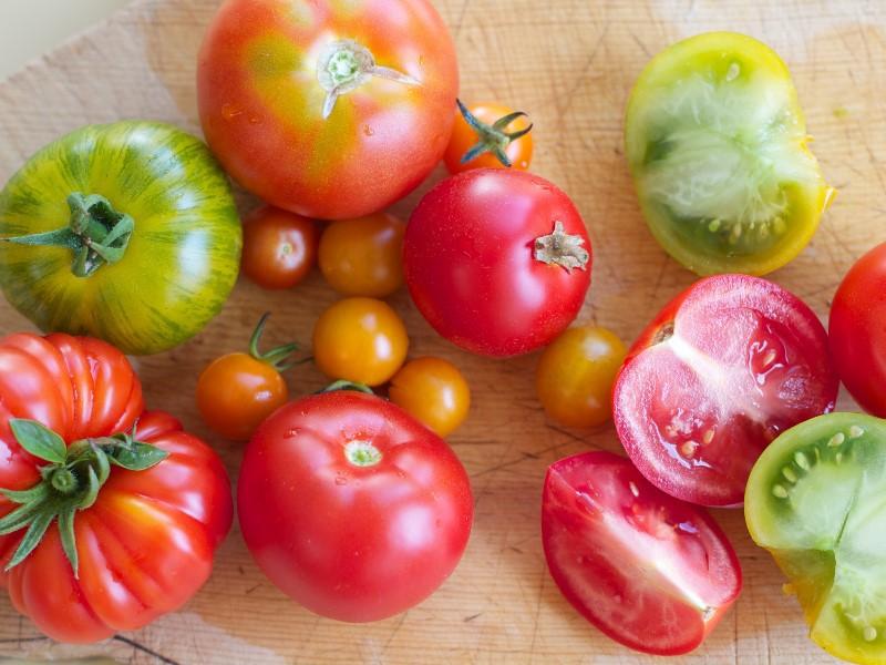 Ten tomatoes eating ways